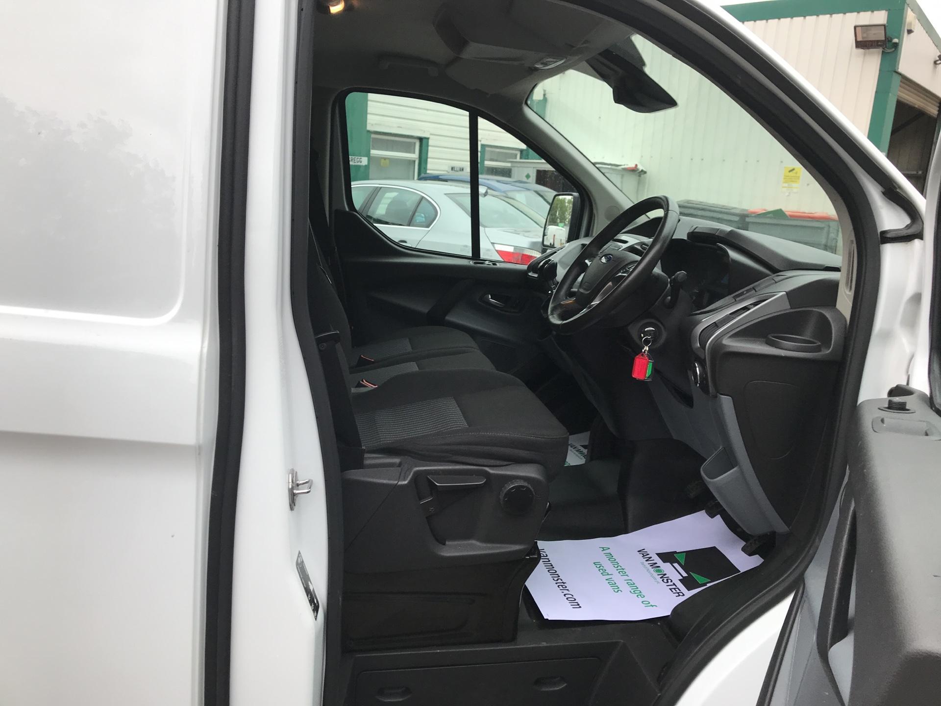 2016 Ford Transit Custom 290 L1 H1 TREND 130PS EURO 6  (WP66CXM) Image 9