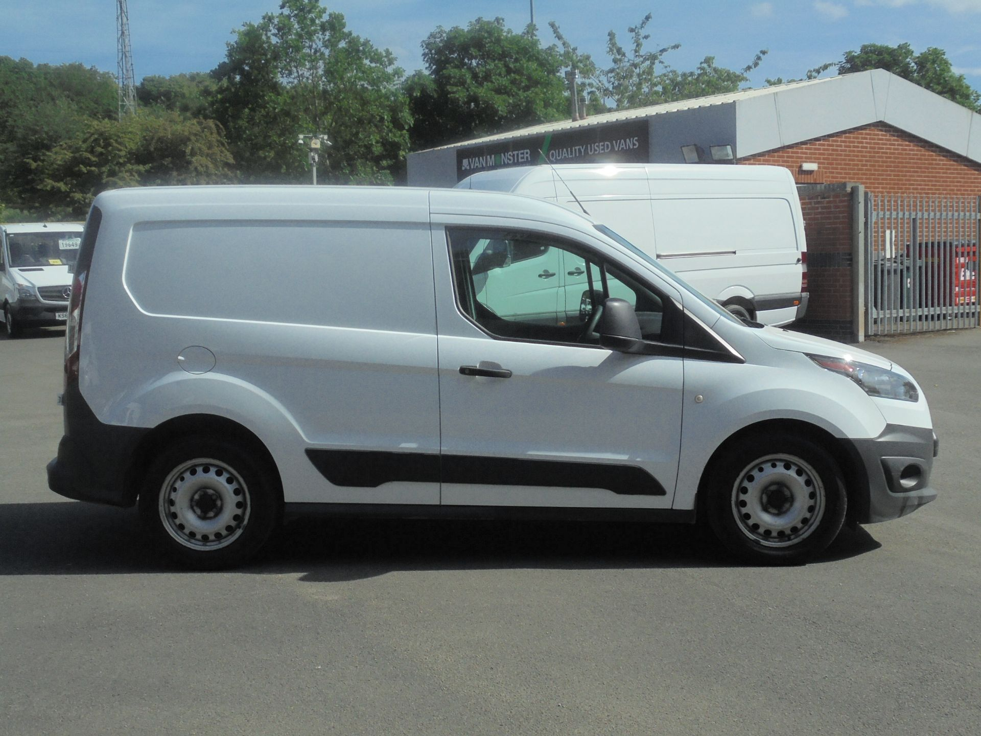 2016 Ford Transit Connect 1.5 Tdci 75Ps Van (WP66WSO) Image 11