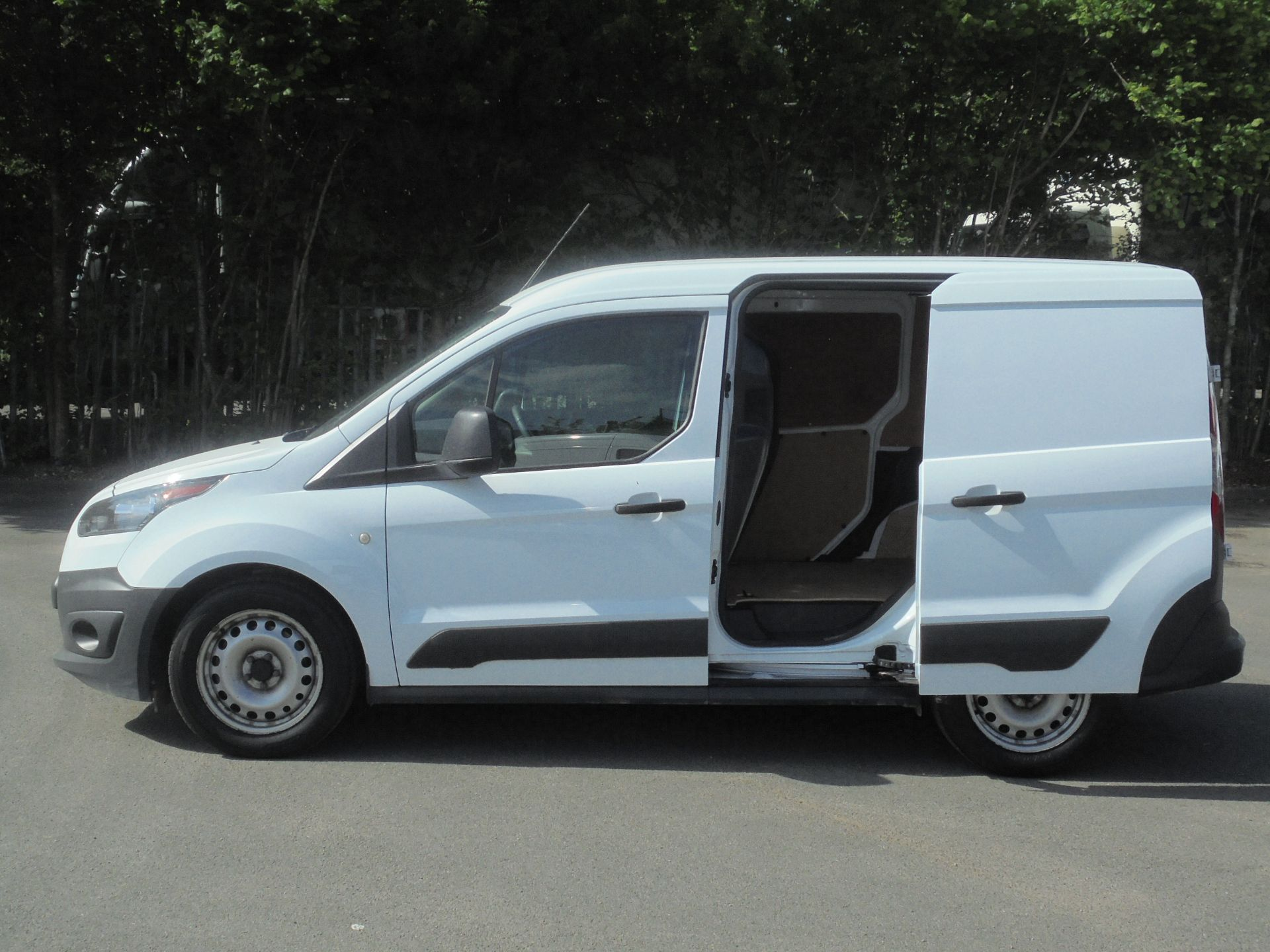 2016 Ford Transit Connect 1.5 Tdci 75Ps Van (WP66WSO) Image 6