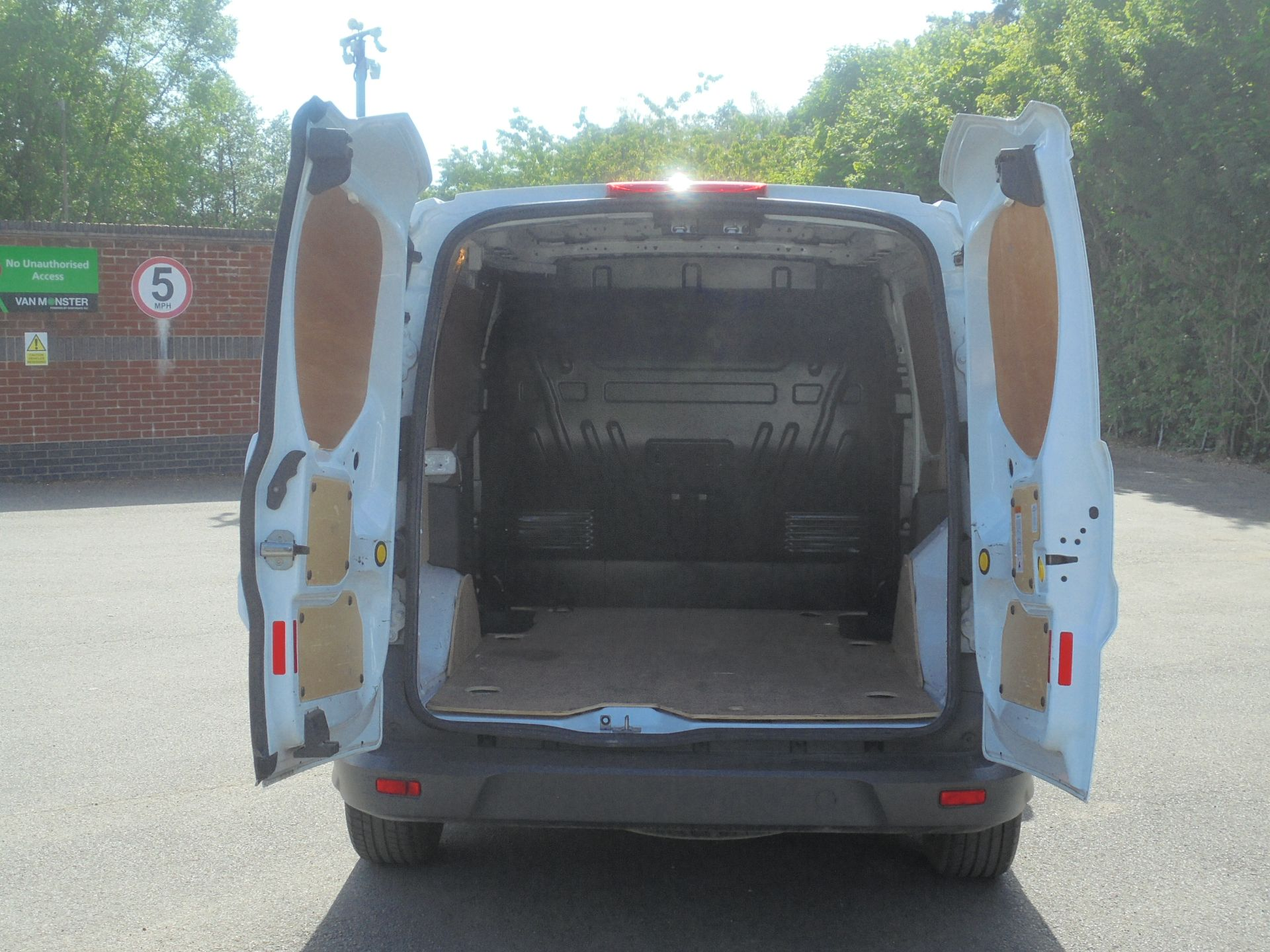 2016 Ford Transit Connect 1.5 Tdci 75Ps Van (WP66WSO) Image 9
