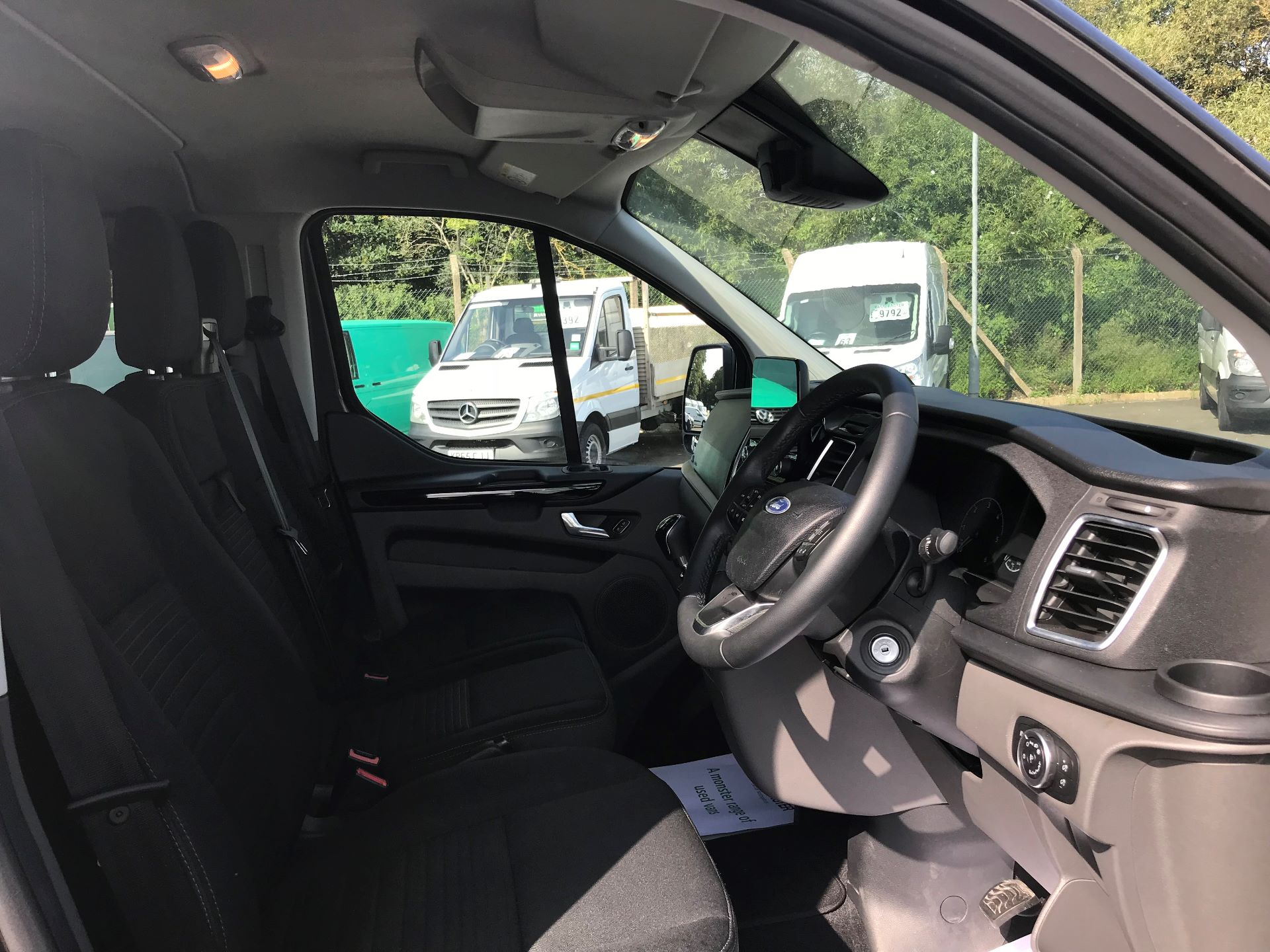 2018 Ford Transit Custom 2.0 ECOBLUE 130PS LOW ROOF D/CAB LIMITED EURO 6 (WP68WFH) Image 20