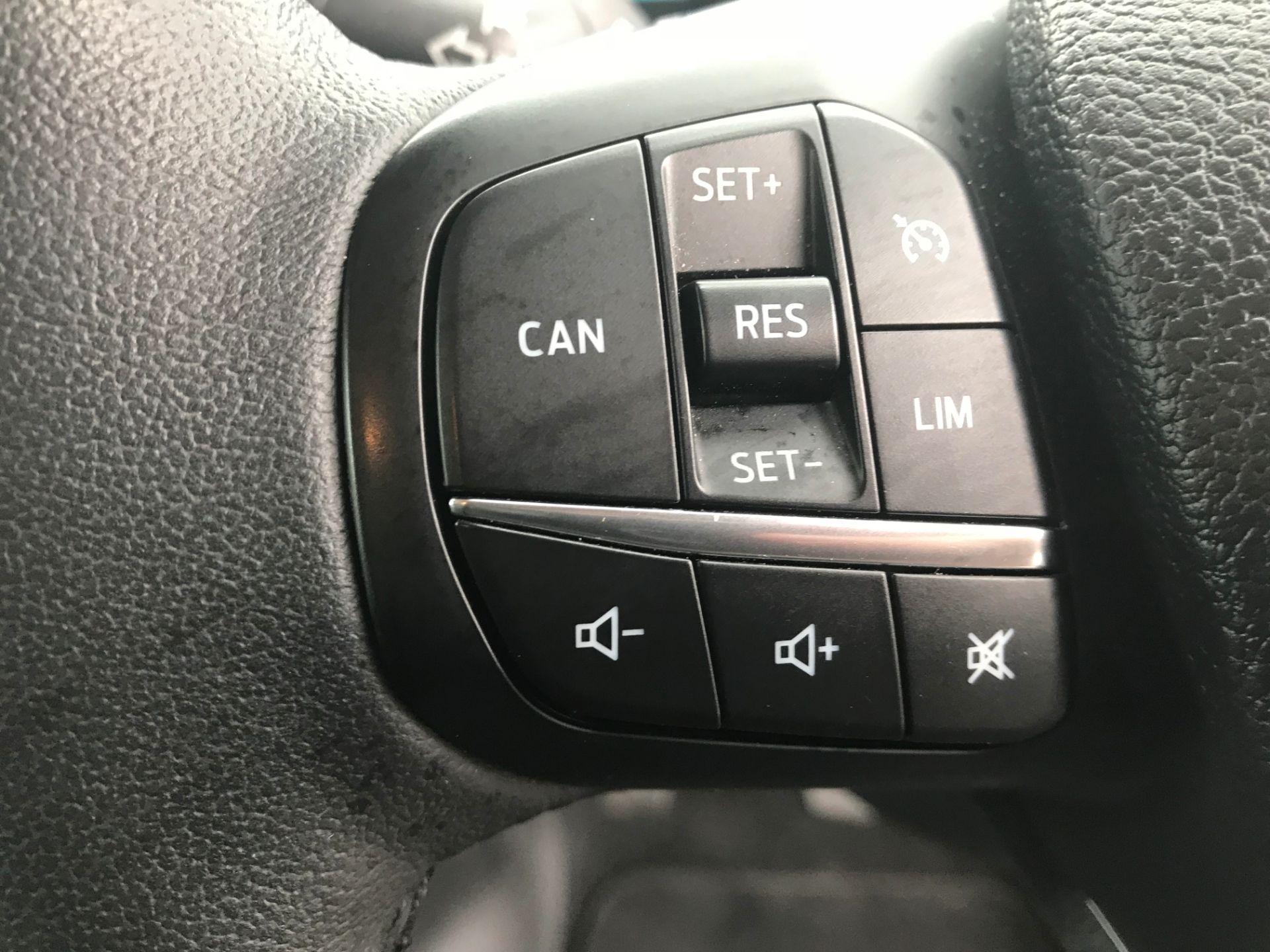 2018 Ford Transit Custom 320 L1 H1  2.0 ECOBLUE 130PS L/R LIMITED  CREW VAN  (WP68WFY) Image 18