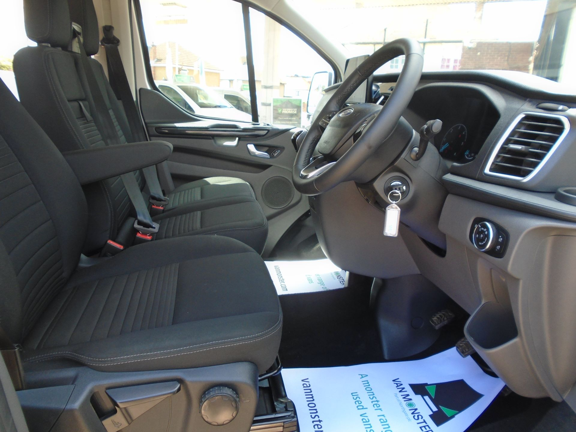 2018 Ford Transit Custom 2.0 Ecoblue 130Ps Low Roof D/Cab Limited Van EURO 6 (WP68WGA) Image 27