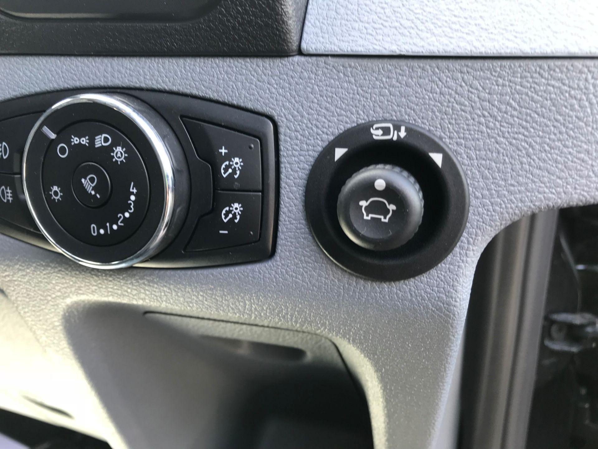 2018 Ford Transit 2.0 TDCi 130ps H2 D/Cab Trend Van Auto (WP68WHL) Image 21