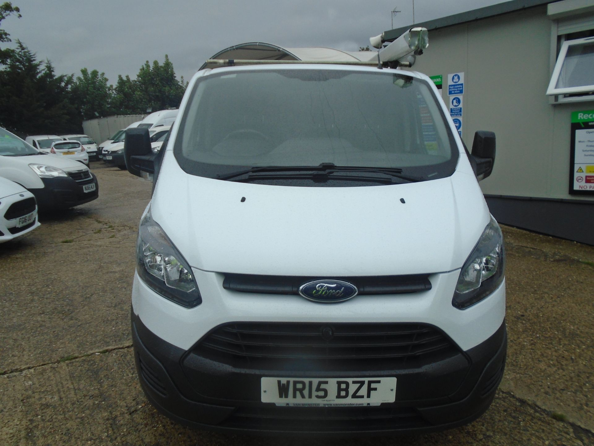 2015 Ford Transit Custom 2.2 Tdci 100Ps Low Roof Van (WR15BZF) Image 2