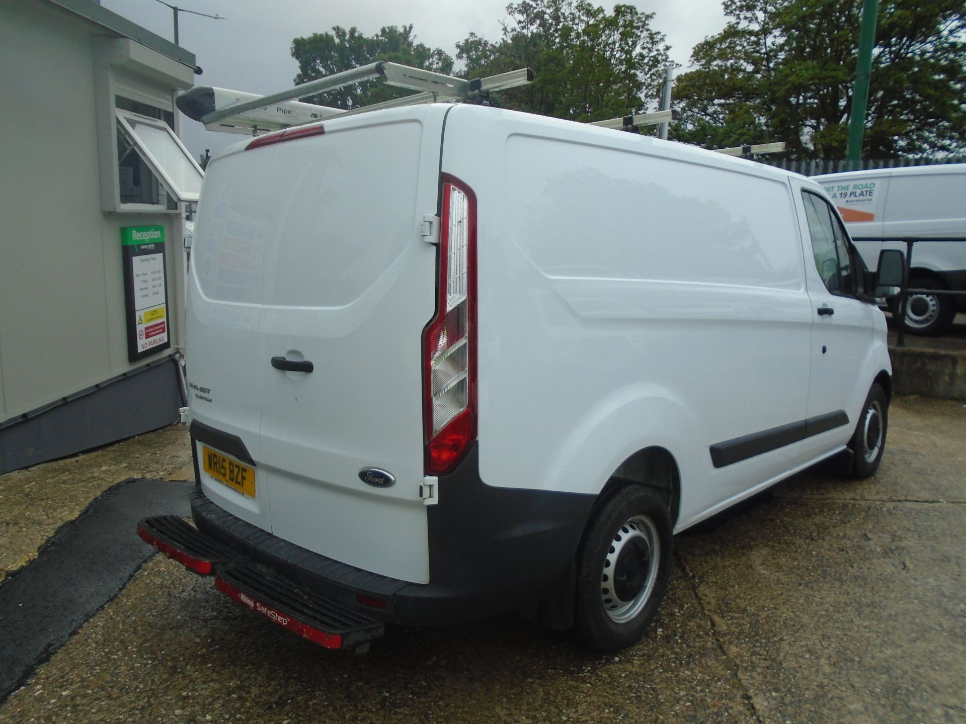 2015 Ford Transit Custom 2.2 Tdci 100Ps Low Roof Van (WR15BZF) Image 6