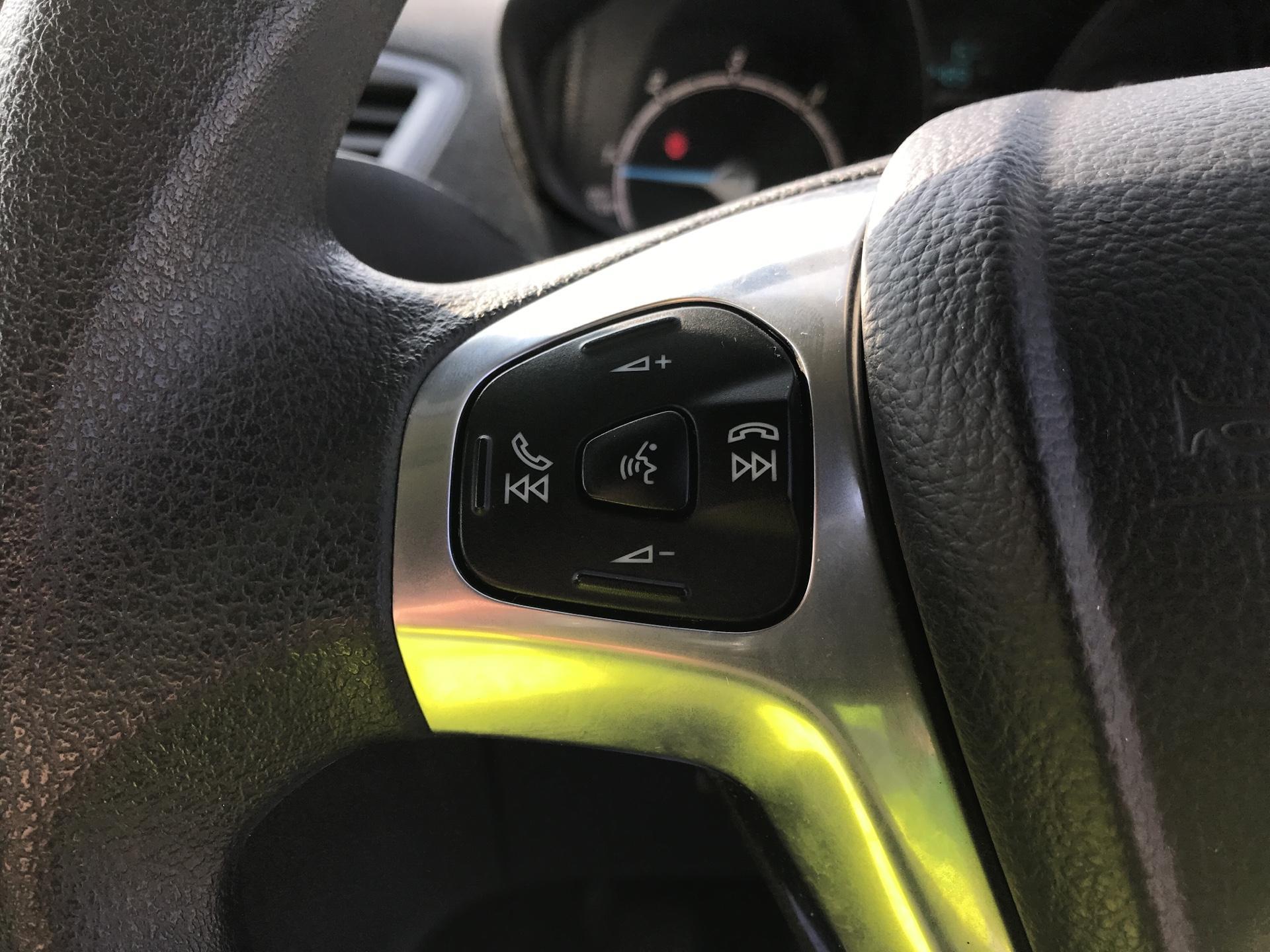 2015 Ford Fiesta   DIESEL 1.5 TDCI VAN EURO 5 (WR15ZCJ) Image 16