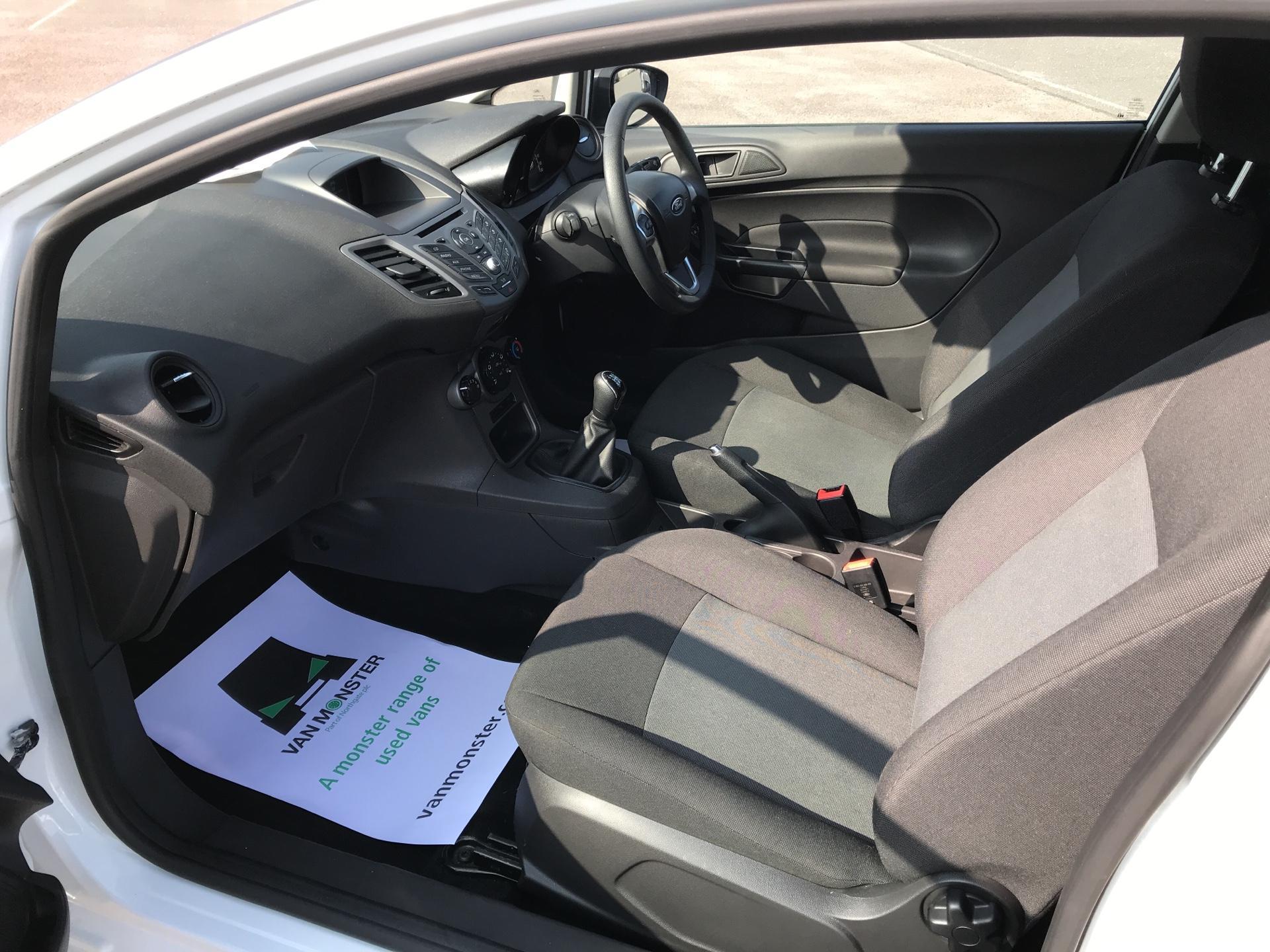 2015 Ford Fiesta   DIESEL 1.5 TDCI VAN EURO 5 (WR15ZCJ) Image 14