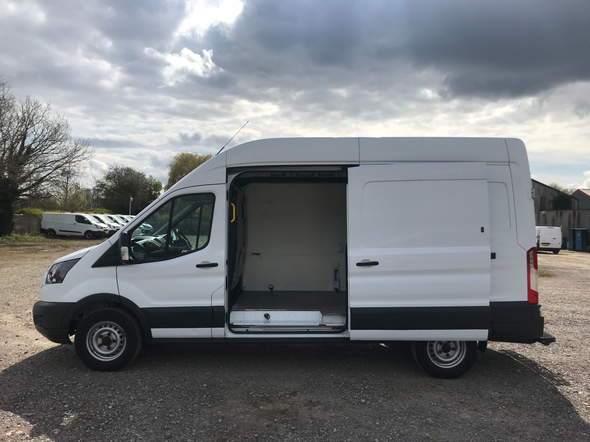 2017 Ford Transit L3 H3 VAN 130PS EURO 6 (WR17CVA) Image 9