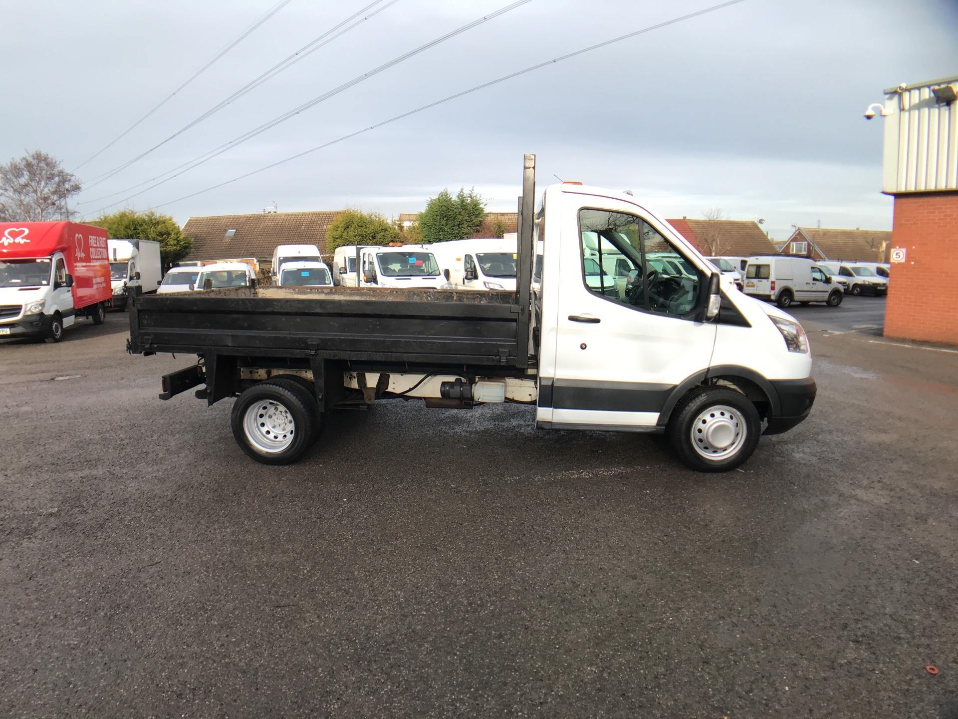 2016 Ford Transit 350 L2 SINGLE CAB TIPPER 125PS EURO 5 *VALUE RANGE VEHICLE CONDITION REFLECTED IN PRICE* (WR65VYK) Image 2