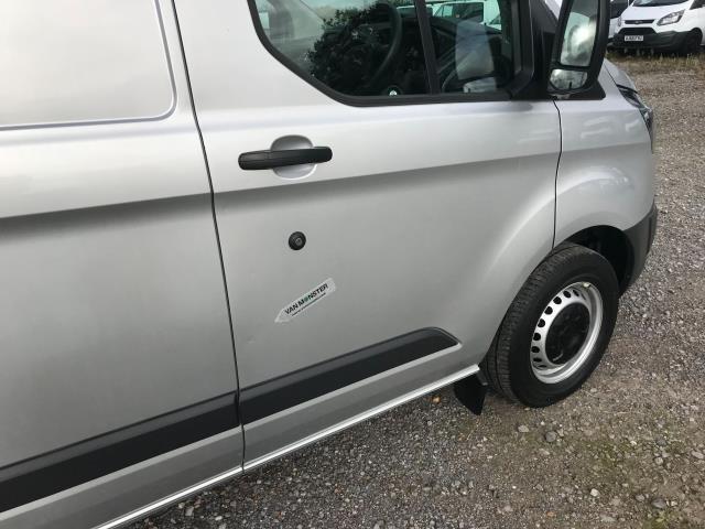 2017 Ford Transit Custom 2.0 Tdci 105Ps L2 High Roof Van (WR67YFN) Image 39