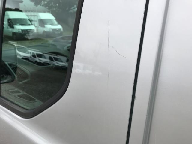 2017 Ford Transit Custom 2.0 Tdci 105Ps L2 High Roof Van (WR67YFN) Image 64