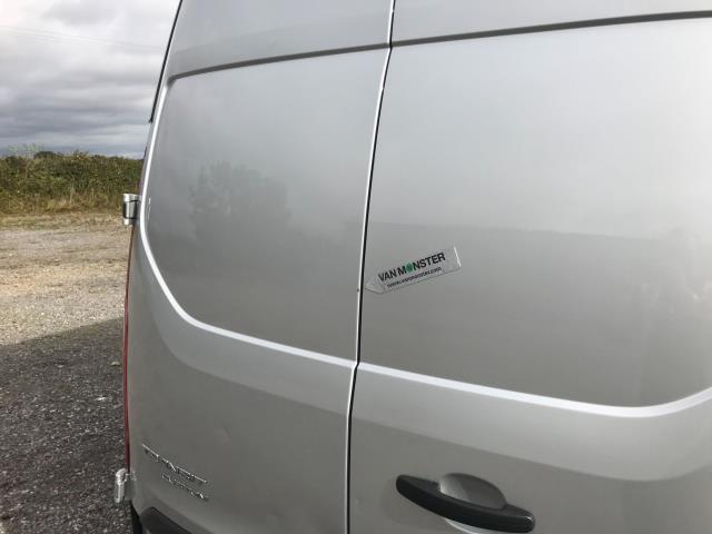 2017 Ford Transit Custom 2.0 Tdci 105Ps L2 High Roof Van (WR67YFN) Image 50