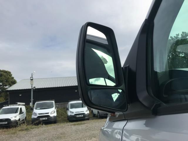 2017 Ford Transit Custom 2.0 Tdci 105Ps L2 High Roof Van (WR67YFN) Image 14