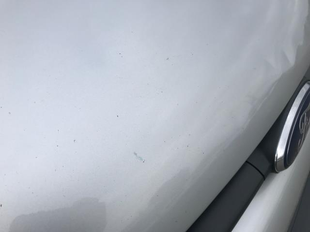 2017 Ford Transit Custom 2.0 Tdci 105Ps L2 High Roof Van (WR67YFN) Image 76