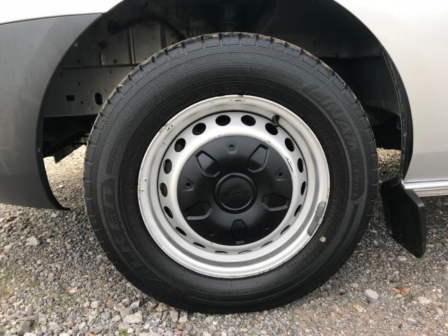 2017 Ford Transit Custom 2.0 Tdci 105Ps L2 High Roof Van (WR67YFN) Image 21