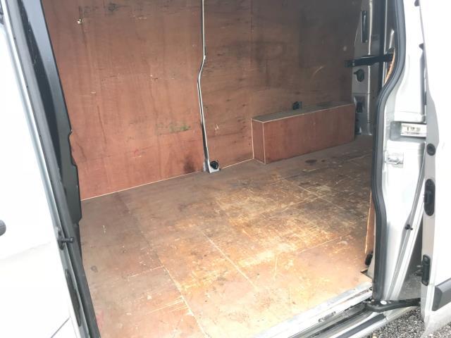 2017 Ford Transit Custom 2.0 Tdci 105Ps L2 High Roof Van (WR67YFN) Image 9