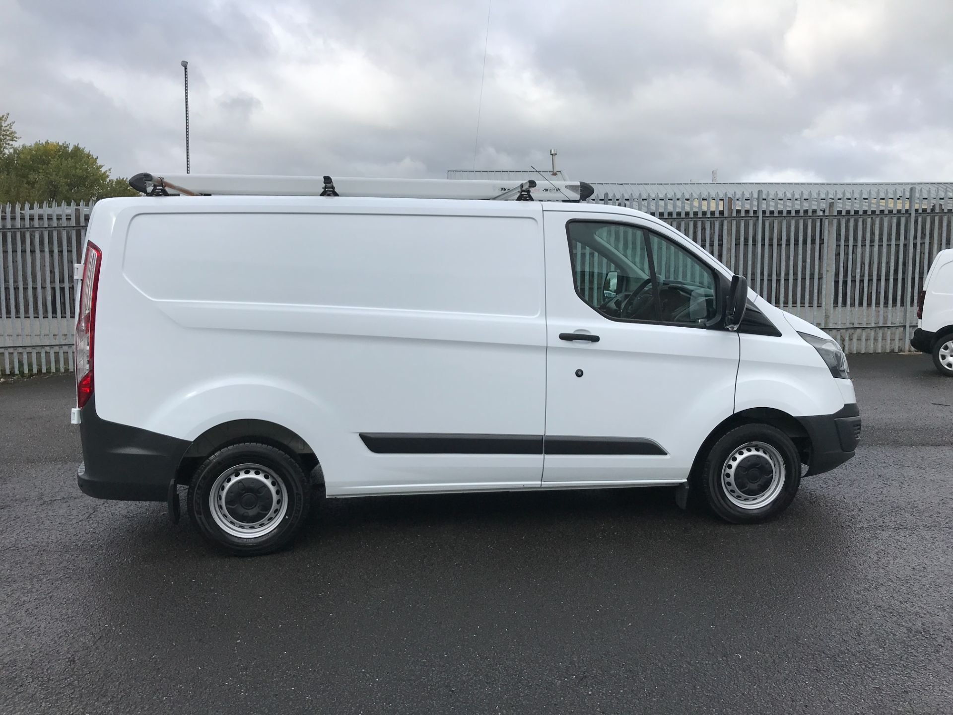 2018 Ford Transit Custom  290 L1 2.0TDCI 105PS LOW ROOF EURO 6 (WR67YGM) Image 5