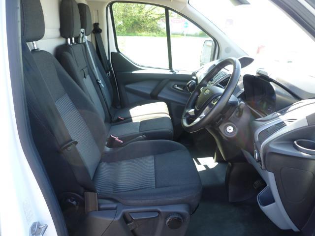 2016 Ford Transit Custom 290 L1 DIESEL FWD 2.2 TDCI 125PS LOW ROOF TREND VAN EURO 5 (WT16DMU) Image 17
