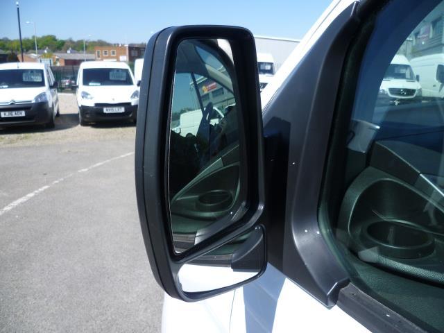 2016 Ford Transit Custom 290 L1 DIESEL FWD 2.2 TDCI 125PS LOW ROOF TREND VAN EURO 5 (WT16DMU) Image 11