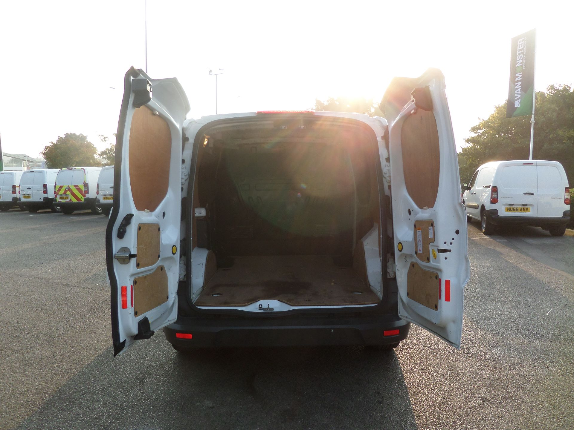 2016 Ford Transit Connect 1.5 Tdci 75Ps Van Euro 6 (WU66XBX) Image 4