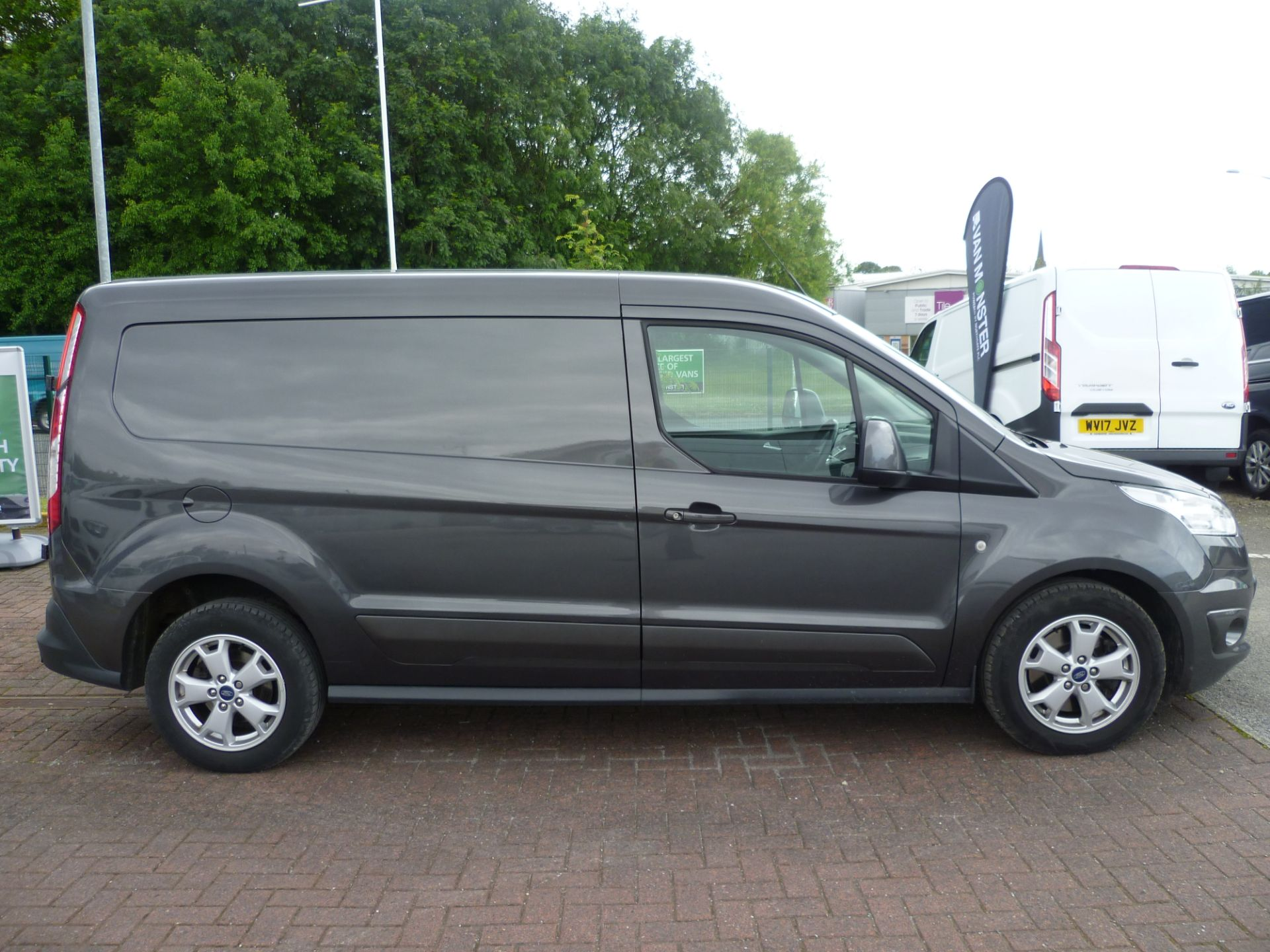 2017 Ford Transit Connect T240 L2 H1 120PS LIMTED EURO 6  (WU67KZX) Image 8