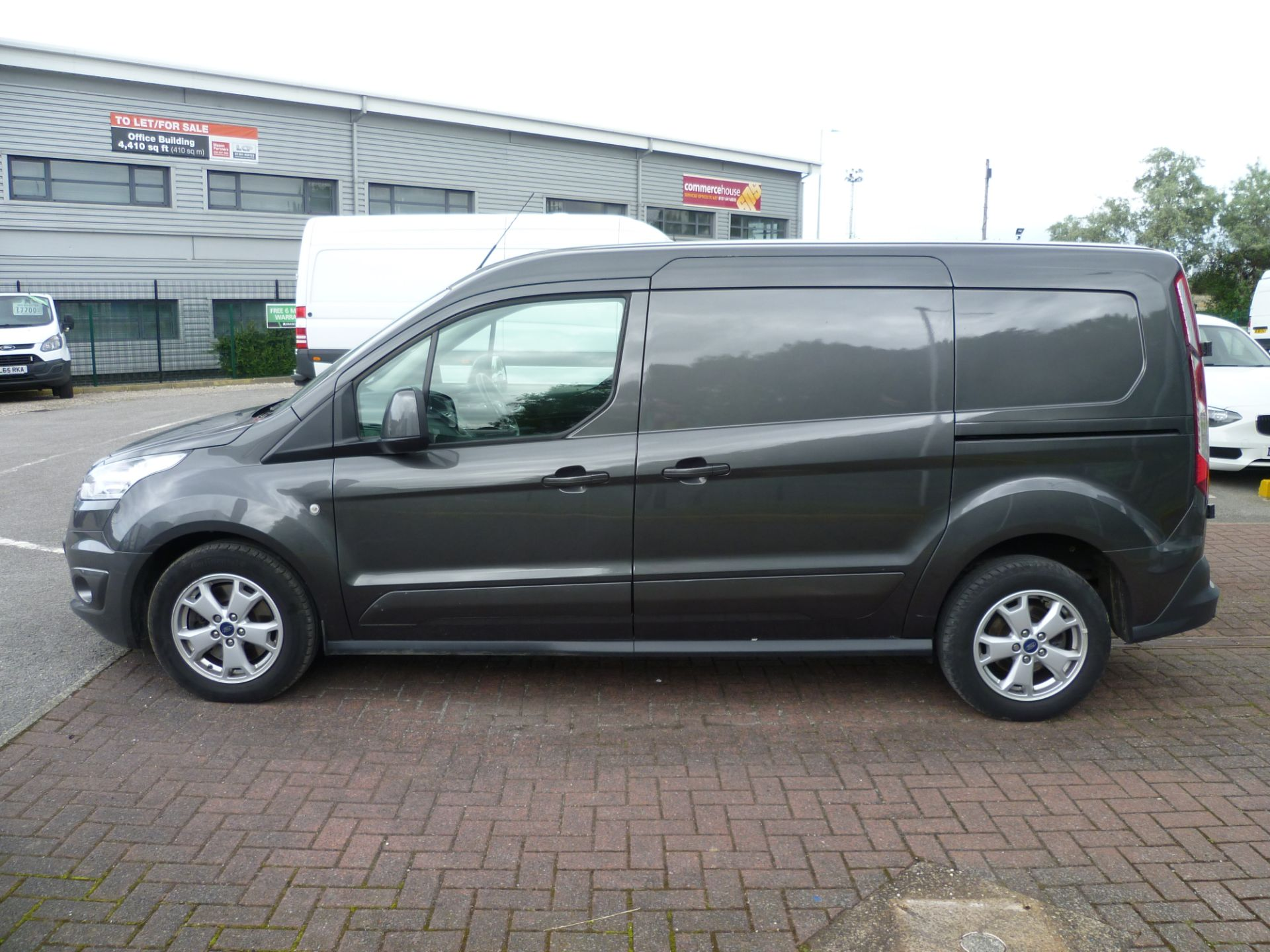 2017 Ford Transit Connect T240 L2 H1 120PS LIMTED EURO 6  (WU67KZX) Image 9