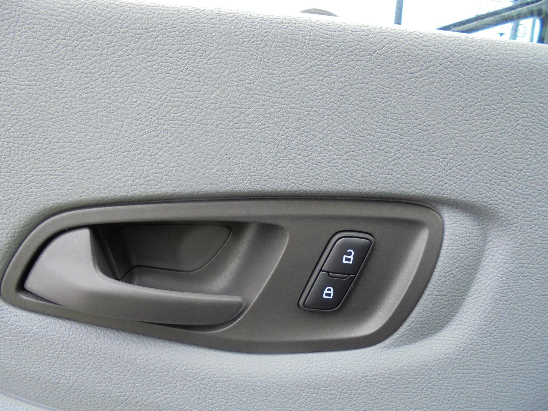 2018 Ford Transit 2.0 Tdci 130Ps H2 D/Cab Van Air/con (WU68PJX) Image 22