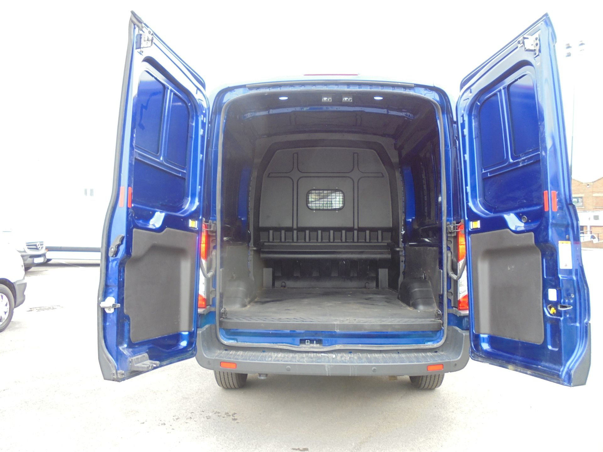 2018 Ford Transit 2.0 Tdci 130Ps H2 D/Cab Van Air/con (WU68PJX) Image 33