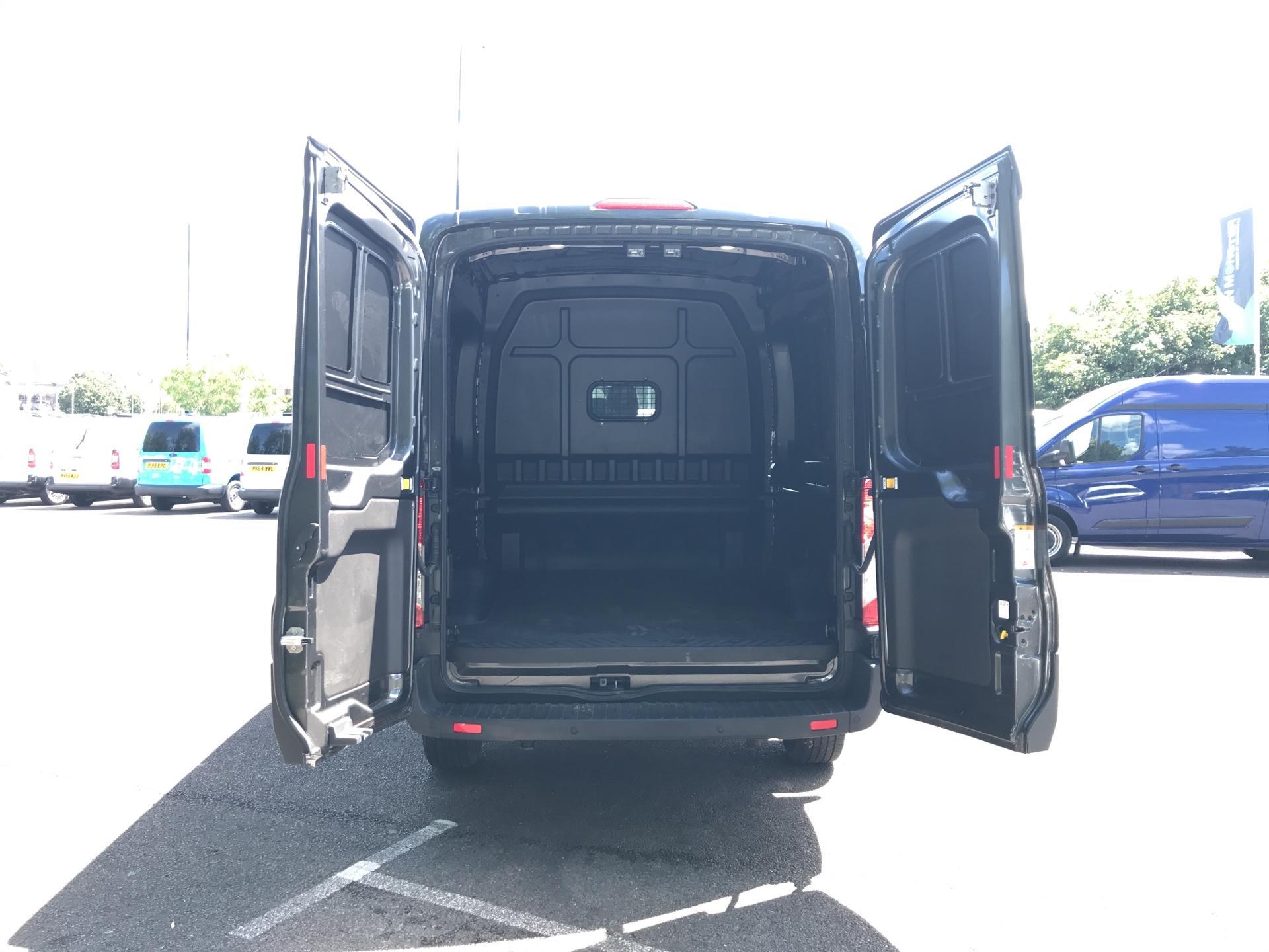 2018 Ford Transit 2.0 Tdci 130Ps H2 D/Cab Crew Van Euro 6 (WU68PXA) Image 25