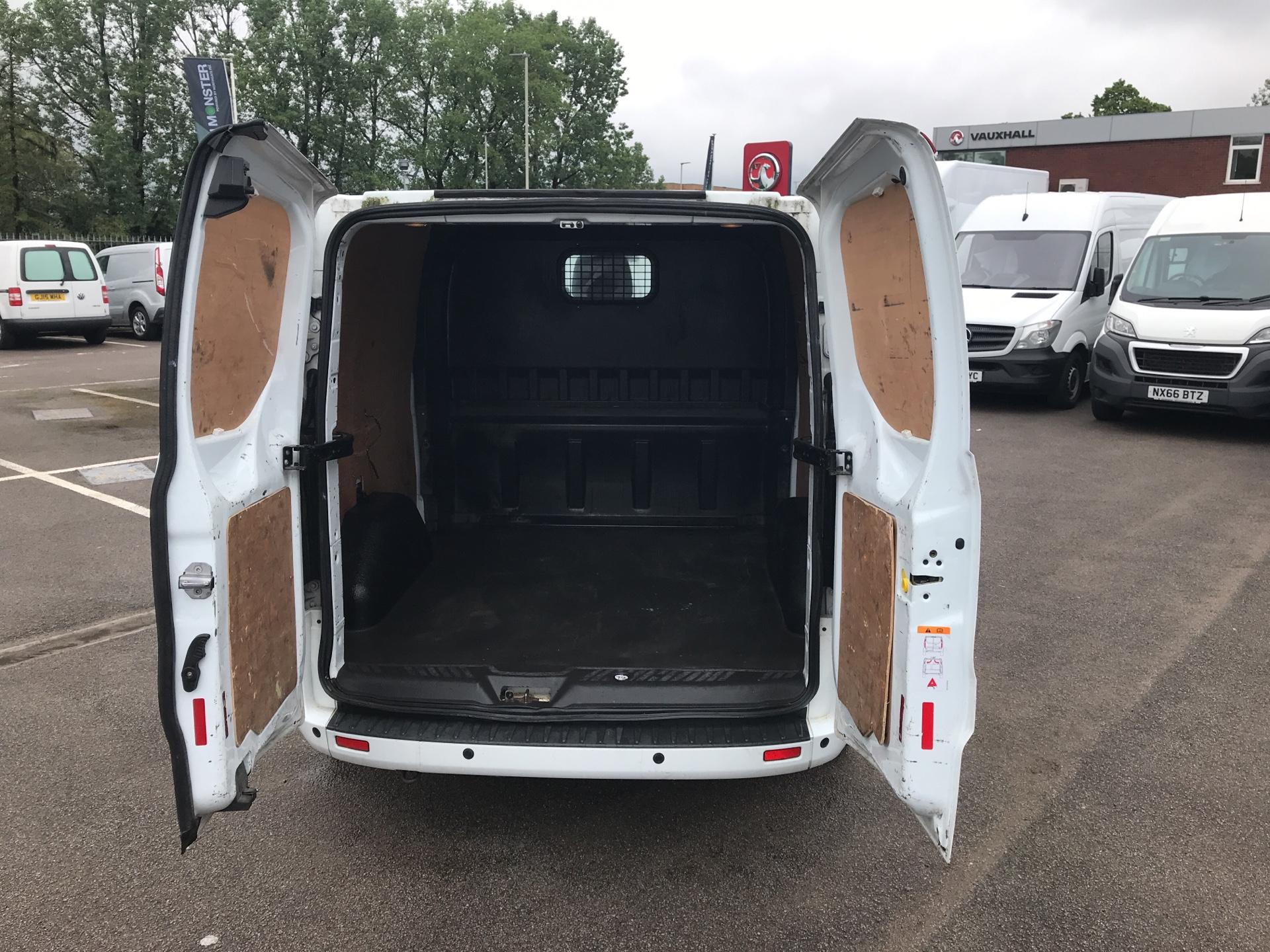 2015 Ford Transit Custom  290 L2 DIESEL FWD 2.2 TDCI 125PS LOW ROOF D/CAB LIMITED VAN EURO 5 (WV15VBL) Image 17