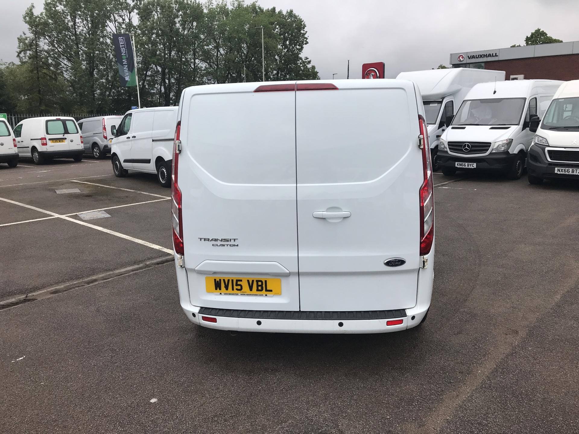 2015 Ford Transit Custom  290 L2 DIESEL FWD 2.2 TDCI 125PS LOW ROOF D/CAB LIMITED VAN EURO 5 (WV15VBL) Image 4