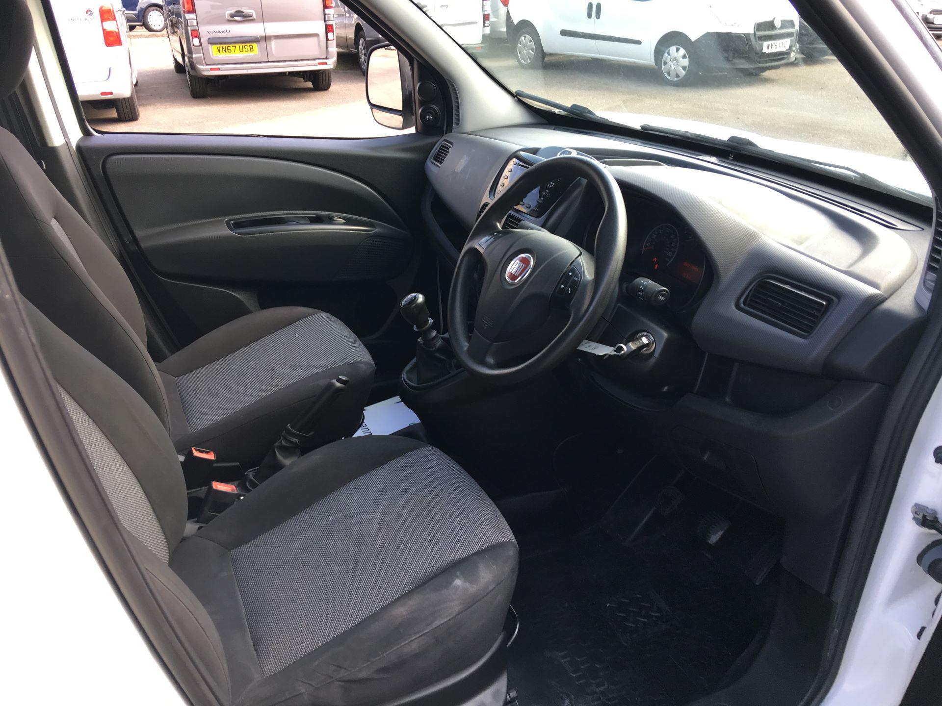 2015 Fiat Doblo CARGO MAXI DIESEL 1.6 MULTIJET 16V START/STOP EURO 5 (WV15XZE) Image 2
