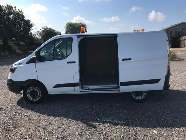 2017 Ford Transit Custom  290 L1 DIESEL FWD 2.0 TDCI 105PS LOW ROOF VAN EURO 6 (WV17JXK) Image 8