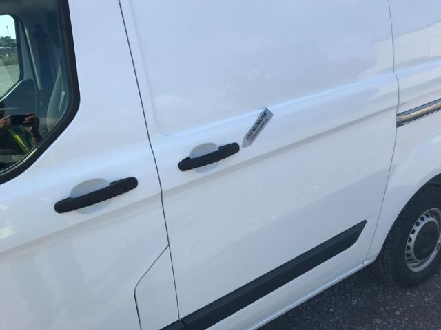 2017 Ford Transit Custom  290 L1 DIESEL FWD 2.0 TDCI 105PS LOW ROOF VAN EURO 6 (WV17JXK) Image 58