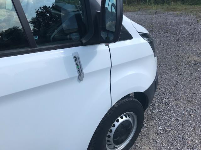 2017 Ford Transit Custom  290 L1 DIESEL FWD 2.0 TDCI 105PS LOW ROOF VAN EURO 6 (WV17JXK) Image 42