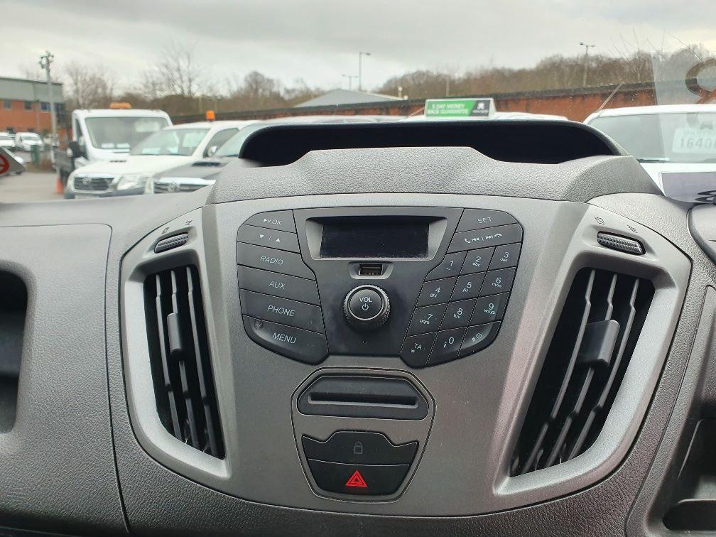 2017 Ford Transit Custom  290 L1 DIESEL FWD 2.0 TDCI 105PS LOW ROOF VAN EURO 6 (WV17JXL) Image 6
