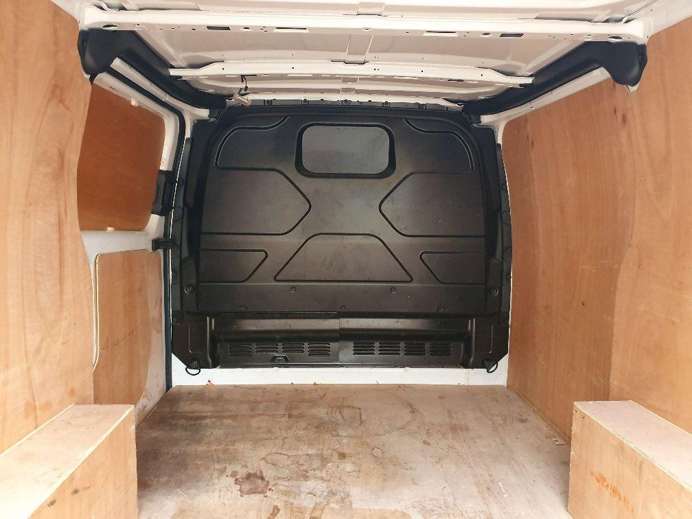 2017 Ford Transit Custom  290 L1 DIESEL FWD 2.0 TDCI 105PS LOW ROOF VAN EURO 6 (WV17JXL) Image 12