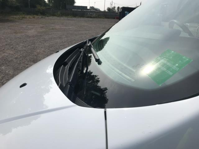 2018 Ford Transit Custom 2.0 Tdci 105Ps Low Roof Van Euro 6 (WV18EDC) Image 20