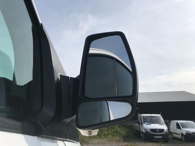 2018 Ford Transit Custom 2.0 Tdci 105Ps Low Roof Van Euro 6 (WV18EDC) Image 13