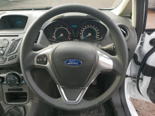 2015 Ford Fiesta DIESEL 1.5 TDCI VAN EURO 6 (WV65GKA) Image 15