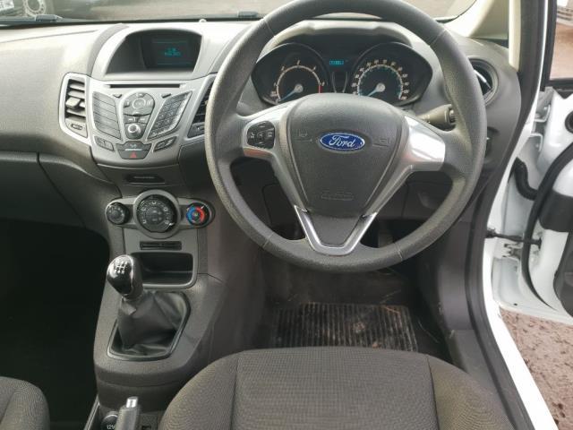 2015 Ford Fiesta DIESEL 1.5 TDCI VAN EURO 6 (WV65GKA) Image 14