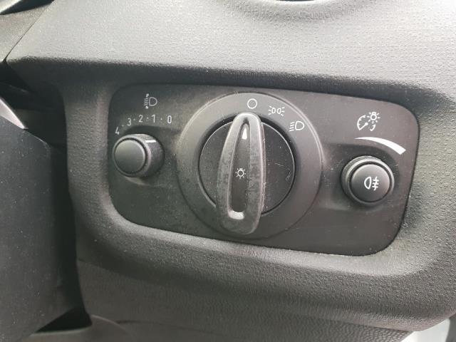 2015 Ford Fiesta DIESEL 1.5 TDCI VAN EURO 6 (WV65GKA) Image 17