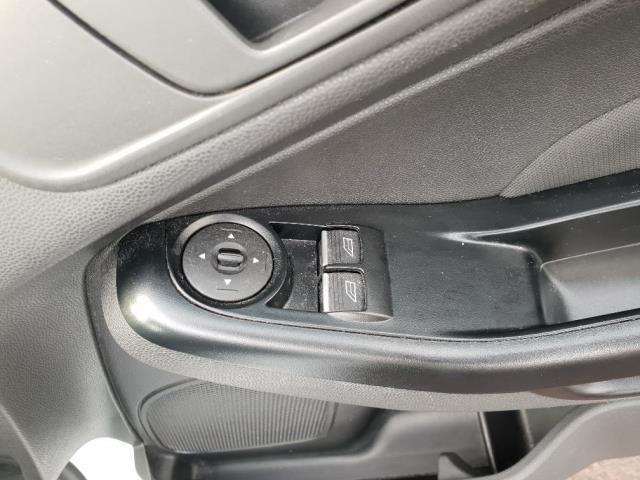 2015 Ford Fiesta DIESEL 1.5 TDCI VAN EURO 6 (WV65GKA) Image 13