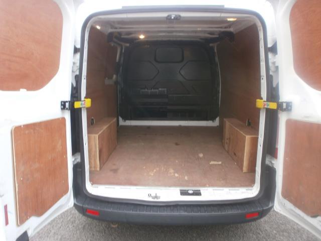 2015 Ford Transit Custom L1 SWB 2.2 Tdci 100Ps Low Roof Van EURO 5 (WV65KGA) Image 18