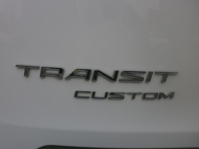 2015 Ford Transit Custom L1 SWB 2.2 Tdci 100Ps Low Roof Van EURO 5 (WV65KGA) Image 21