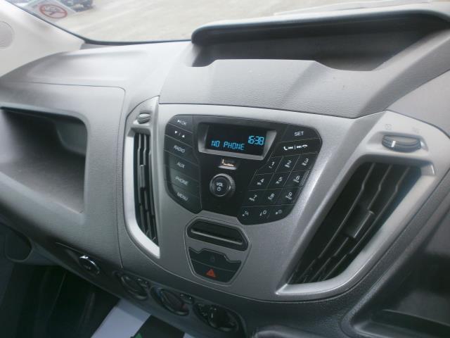 2015 Ford Transit Custom L1 SWB 2.2 Tdci 100Ps Low Roof Van EURO 5 (WV65KGA) Image 13