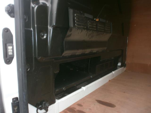 2015 Ford Transit Custom L1 SWB 2.2 Tdci 100Ps Low Roof Van EURO 5 (WV65KGA) Image 20