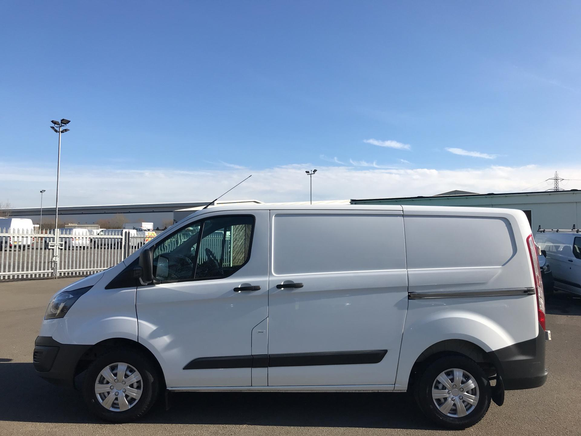 2015 Ford Transit Custom 290 L1 DIESEL FWD 2.2  TDCI 100PS LOW ROOF VAN EURO 5 (WV65KTE) Thumbnail 6