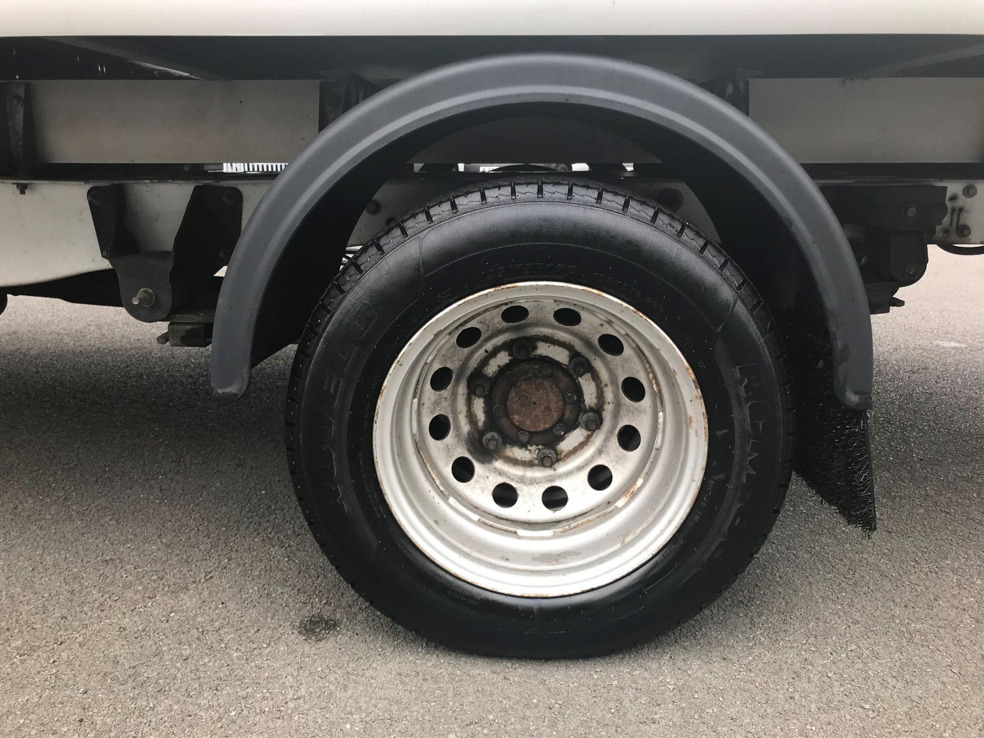 2015 Ford Transit 350 L4 LUTON 125PS EURO 5 (WV65VUD) Image 16
